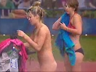 Big Brother Australia – Christie and Geneva Sauna
