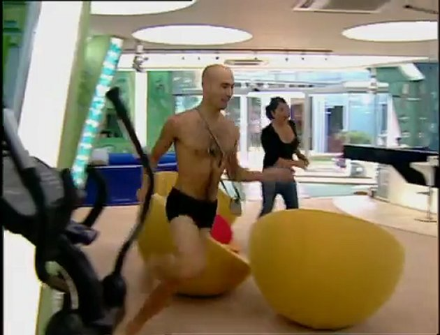 Big Brother UK – Nude Scenes Clip